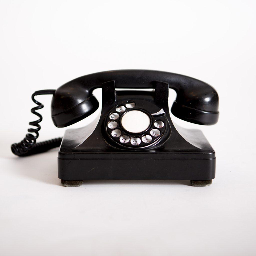 réserver par téléphone